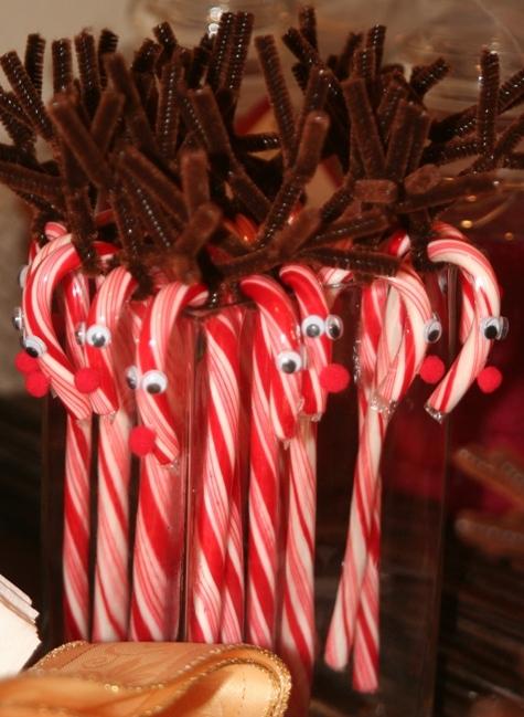 Candy_cane_reindeer